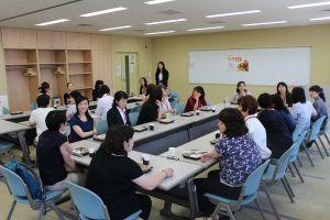 H29あおもりウィメンズアカデミー開講式・ライブラリーツアー・ランチ交流会